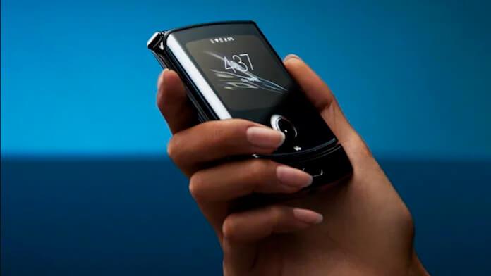 Motorola vai relançar o Razr, celular flip, com tela touch; vídeo e preço