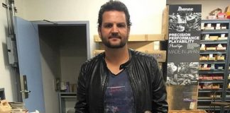 Felipe Andreoli, baixista do Angra