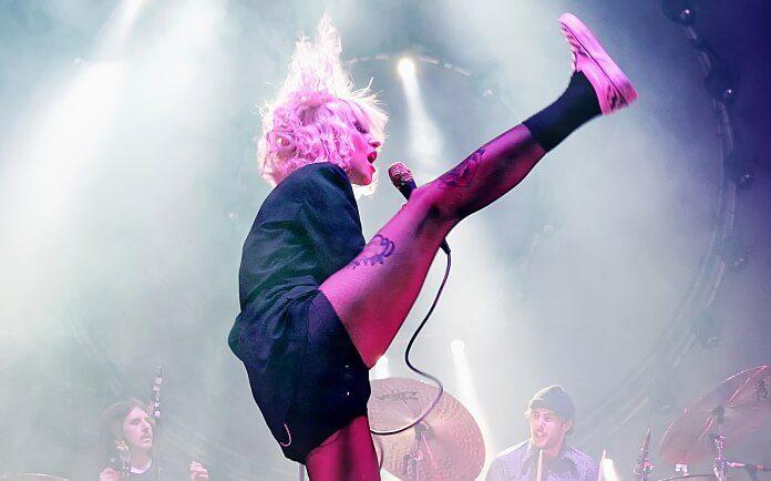 Hayley Williams, vocalista do Paramore, em Paris (2015)