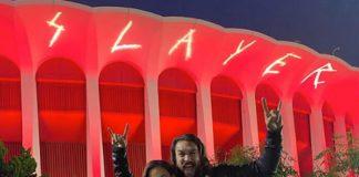 Jason Momoa e filhos no show do Slayer