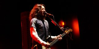 John Frusciante com o Red Hot Chili Peppers na Itália em 2002