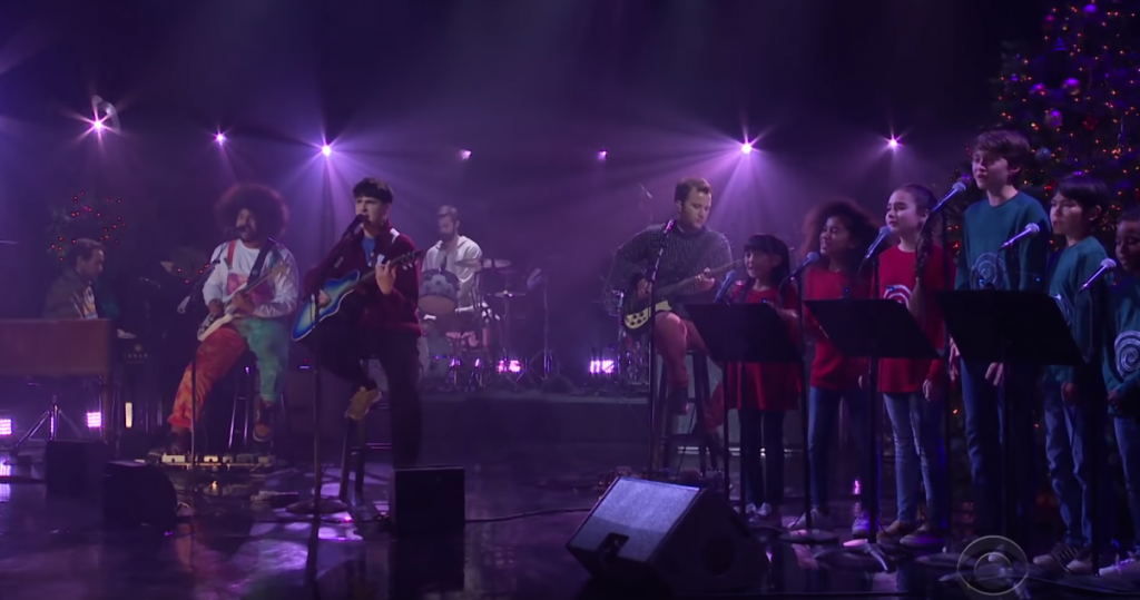 Vampire Weekend no Late Late Show with James Corden