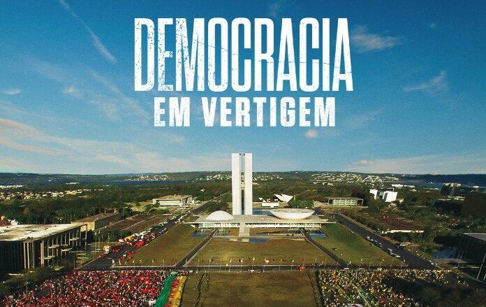 Democracia em Vertigem