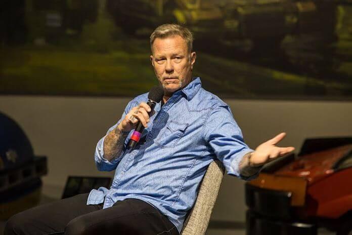 James Hetfield reaparece em público após reabilitação