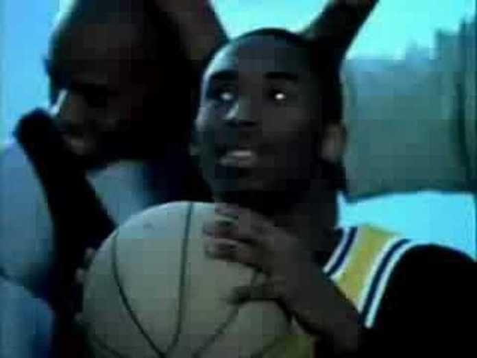 Kobe Bryant em comercial com Napalm Death