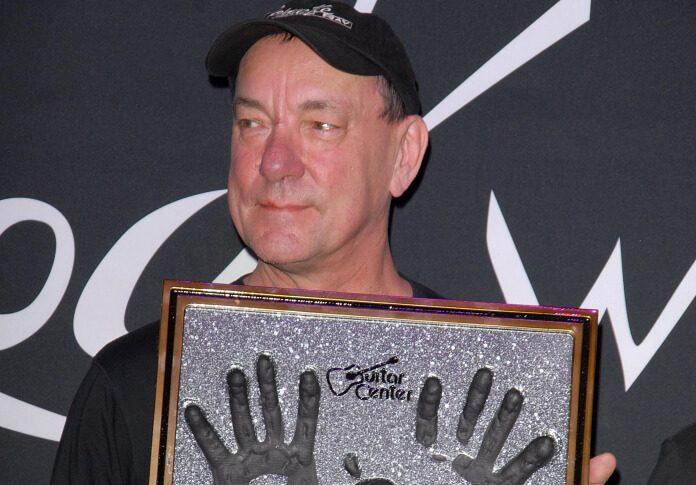 Neil Peart recebe prêmio em 2012