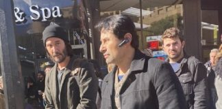 Keanu Reeves gravando Matrix 4