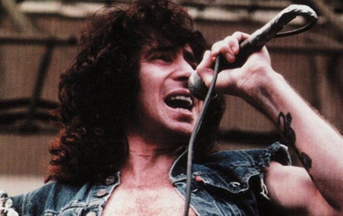 Bon Scott, do AC/DC