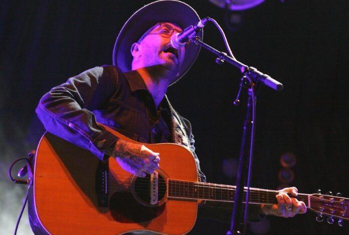 Dallas Green com o City And Colour, 2012