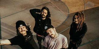 Aurora Rules critica a indústria da música em novo clipe