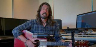 Dave Grohl toca My Hero em festival da iHeartRadio