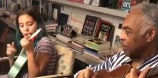 Gilberto Gil e a neta Flora tocam Britney Spears