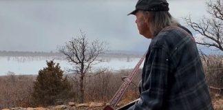Neil Young em sessão de casa