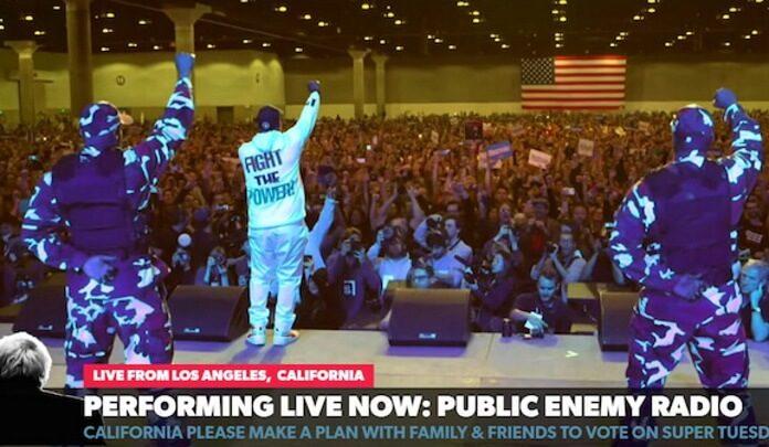 Public Enemy faz show em comício de Bernie Sanders