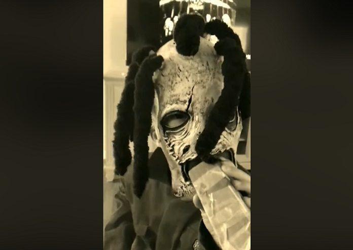Criança imitando Corey Taylor Slipknot