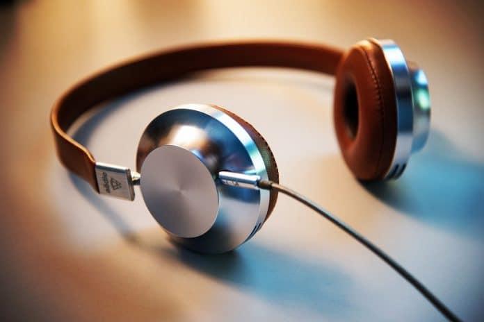 Headphones streaming