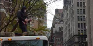 Bombeiro metaleiro em NYC