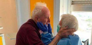 Casal de idosos vence coronavírus