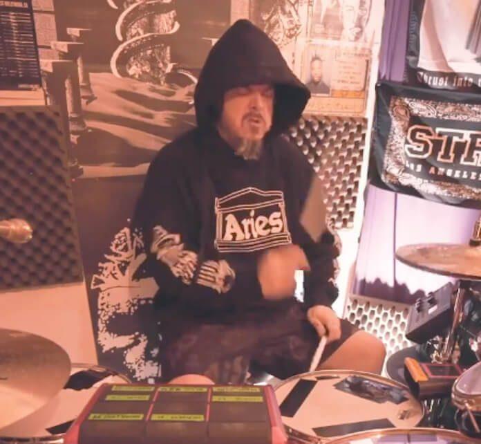 Iggor Cavalera treinando com samples