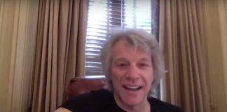 Jon Bon Jovi faz surpresa para alunos do jardim de infância