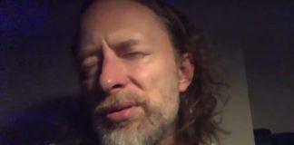 """Thom Yorke tocando """"Plasticine Figures"""""""