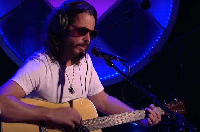 Chris Cornell fazendo cover de Led Zeppelin