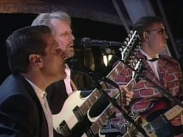 "Eagles tocando ""Hotel California"" no Hall da Fama"