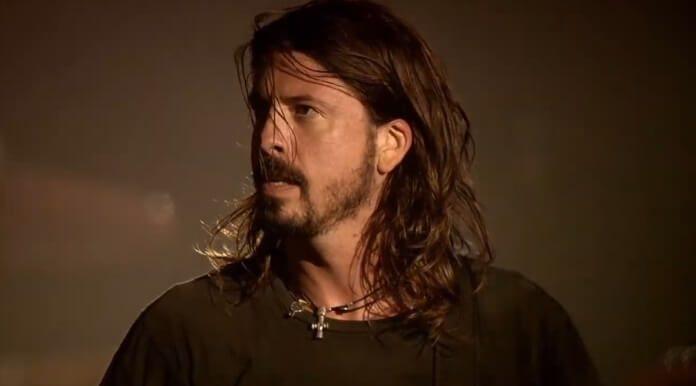 Dave Grohl com o Foo Fighters em Wembley
