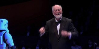 John Williams conduzindo orquestra de Star Wars