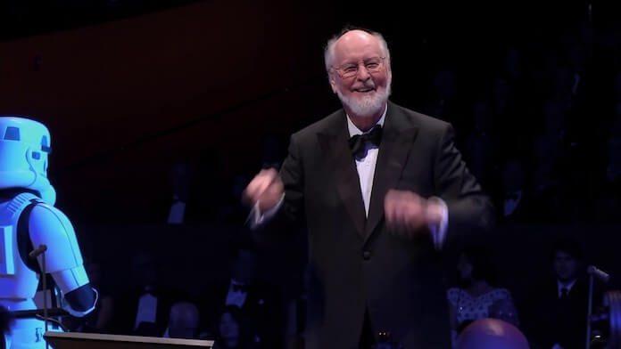 John Williams conduzindo orquestra de Star Wars