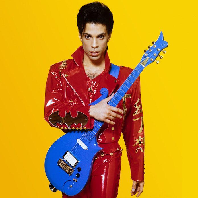 Prince com a guitarra Blue Cloud