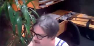 Rivers Cuomo (Weezer) tocando Nirvana