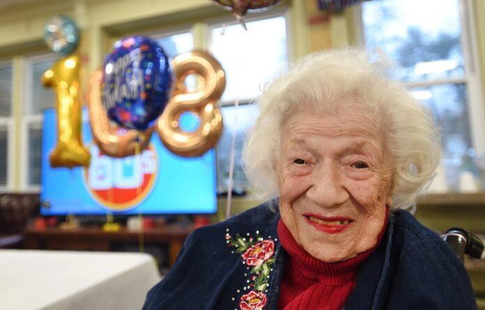 Sylvia Goldscholl, sobrevivente do Coroanvírus
