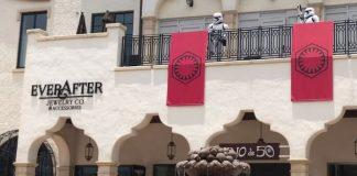 Stormtroopers fazendo patrulha no Disney Springs