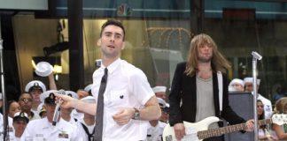 Maroon 5 com Adam Levine e Mickey Madden