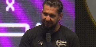 Pastor Rodolfo Abrantes pregando