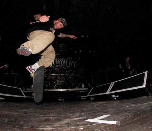 Charlie Brown Jr., Chorão com skate