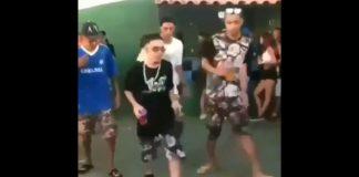 Funkeiros dançando ao som de rock