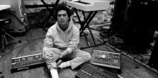 Joey Armstrong, filho de Bilie Joe Armstrong (Green Day)