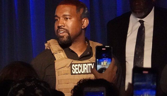 Kanye West em comício