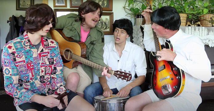 Beatles: grupo brinca com