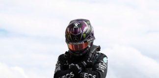 Lewis Hamilton homenageia Chadwick Boseman