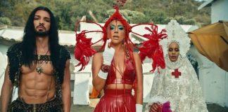Lady Gaga no clipe de 911