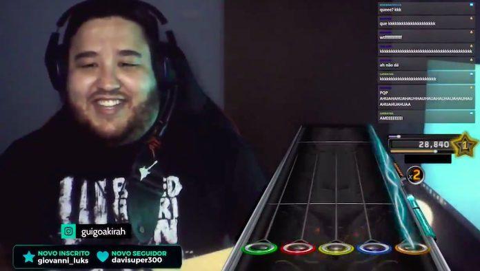 Streamer toca vinhetas da Globo no Guitar Hero