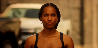 "Alicia Keys em vídeo de ""Love Looks Better"""