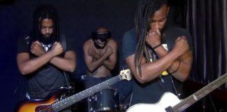 Black Pantera toca tema de Pantera Negra