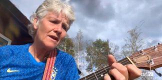 Pia Sundhage cantando Alceu Valença