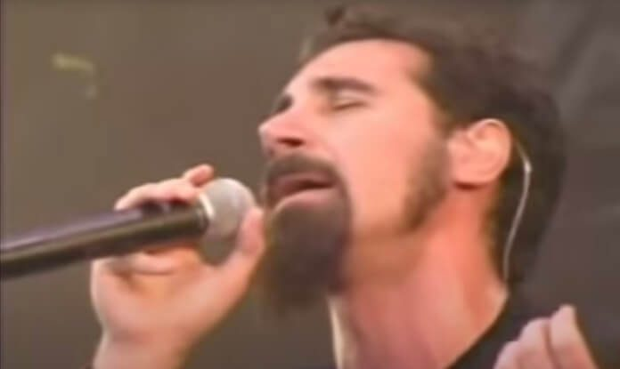 System of a Down tocando