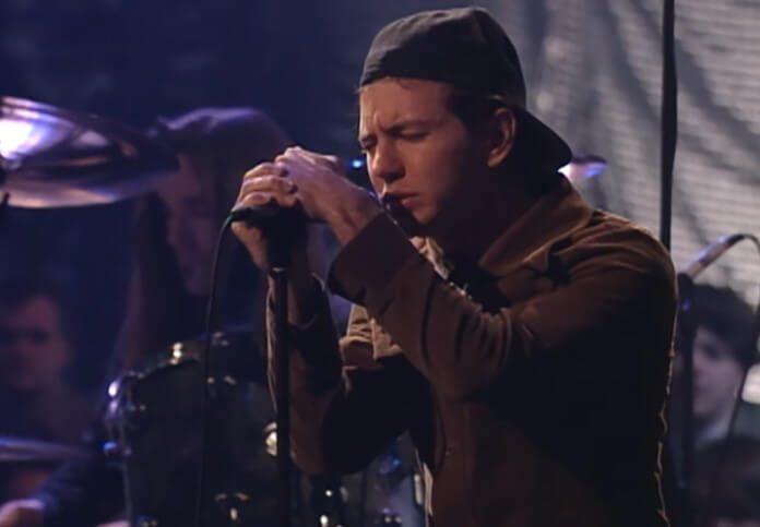 Eddie Vedder no Acústico MTV do Pearl Jam