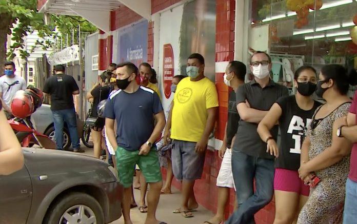 Cidadãos formam filas por conta de blecaute no Amapá
